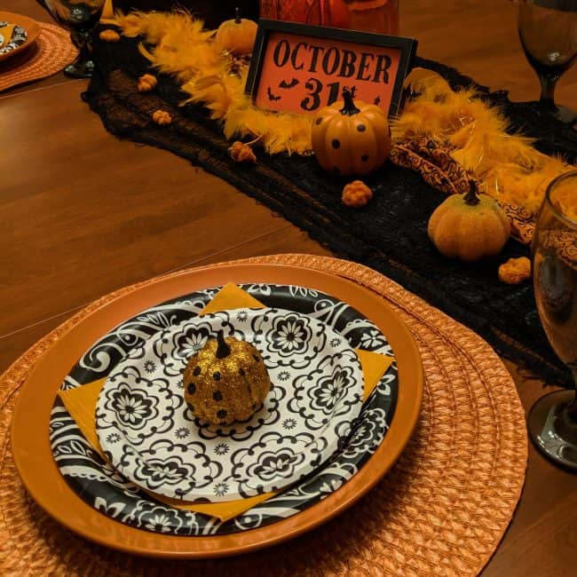 Black and orange Halloween table
